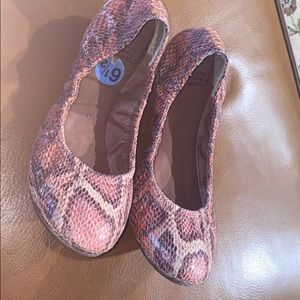 Lucky Brand Emmie flats Pink Snakeskin-EUC
